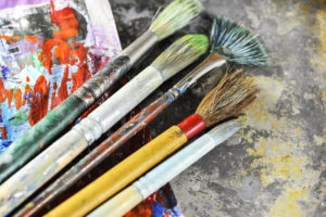 Support art docents in area elementary schools at Be Artful.